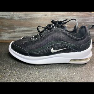 Women's Nike Shoes AirMax axis